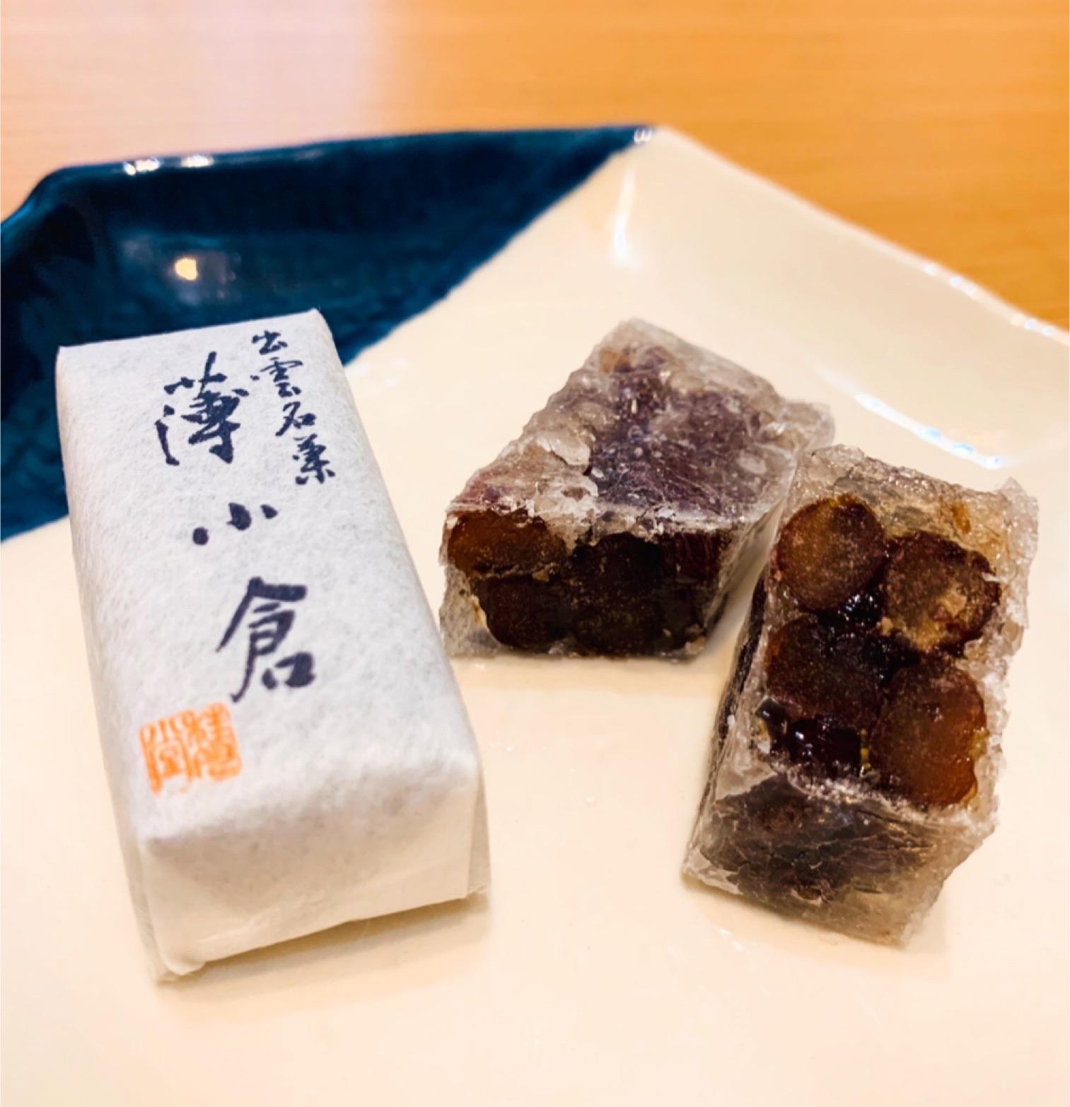こんな食感の和菓子はじめて!  カリッとシャリっと島根の薄小倉!
