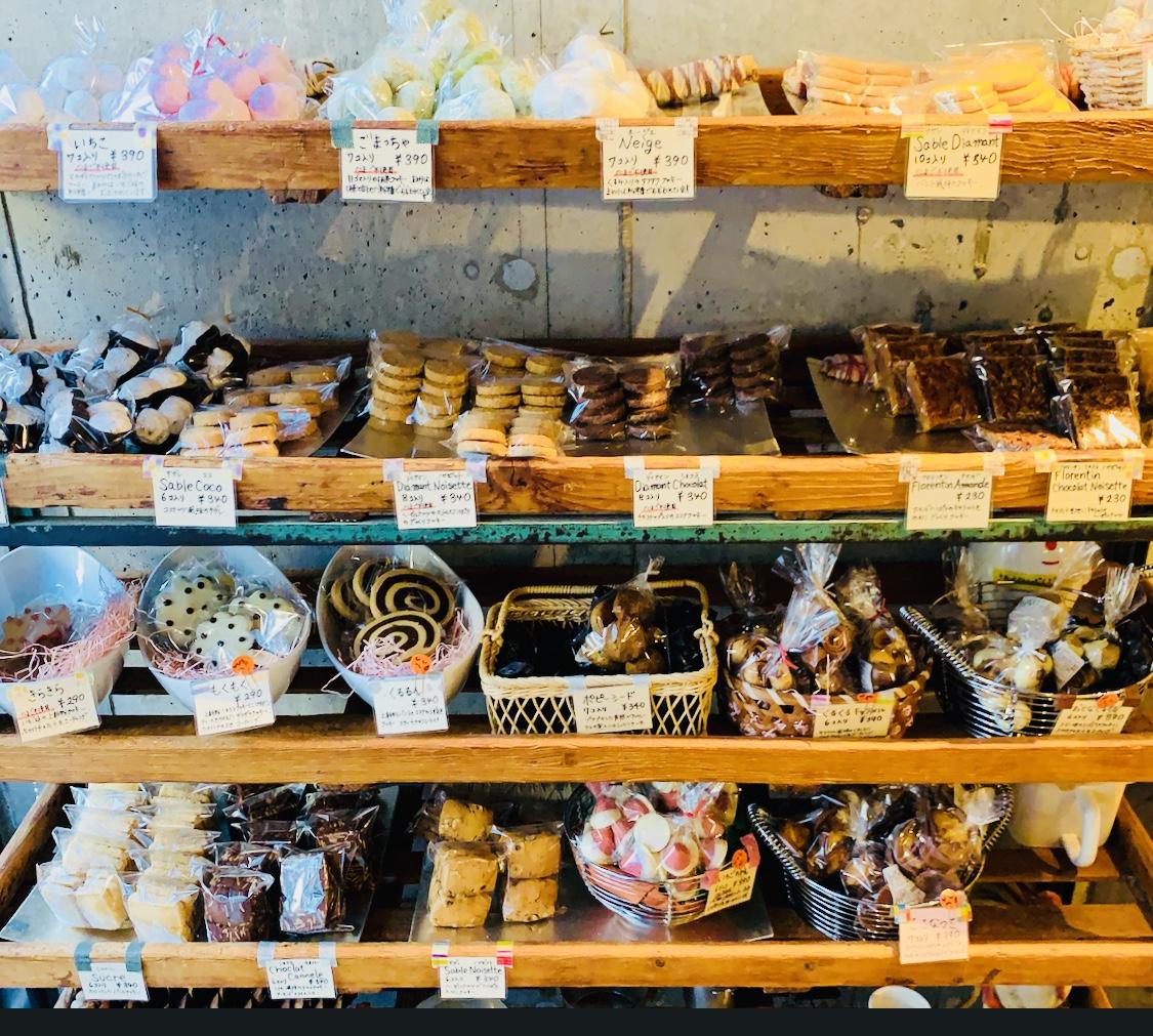 絵本の中のような空間と可愛いお菓子たちがいっぱい♡シュシュクル