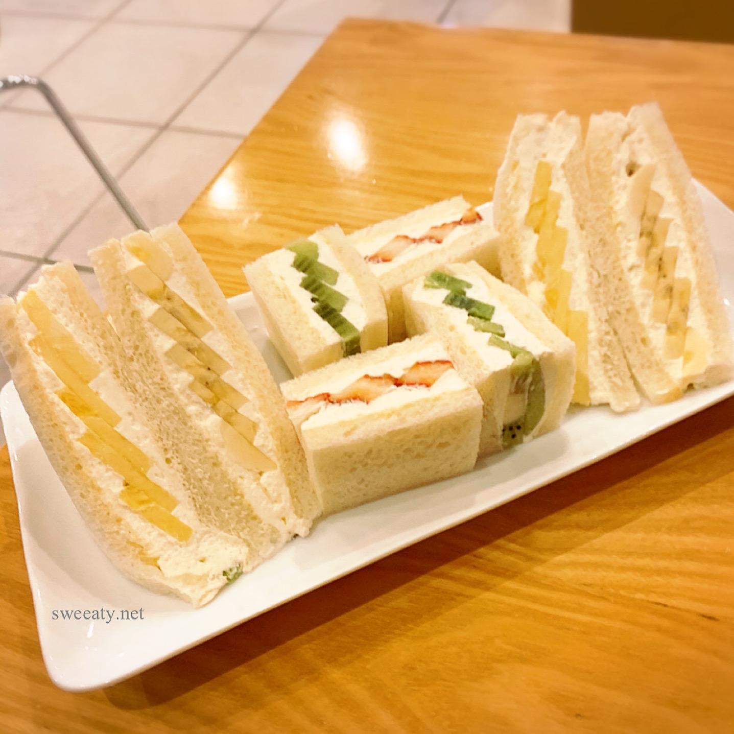 浅草◇フルーツパーラーゴトーでペリカンのパンのフルーツサンドが食べれる♡